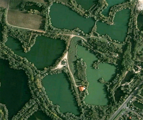 Les Quis Carp Fishing Lake In France